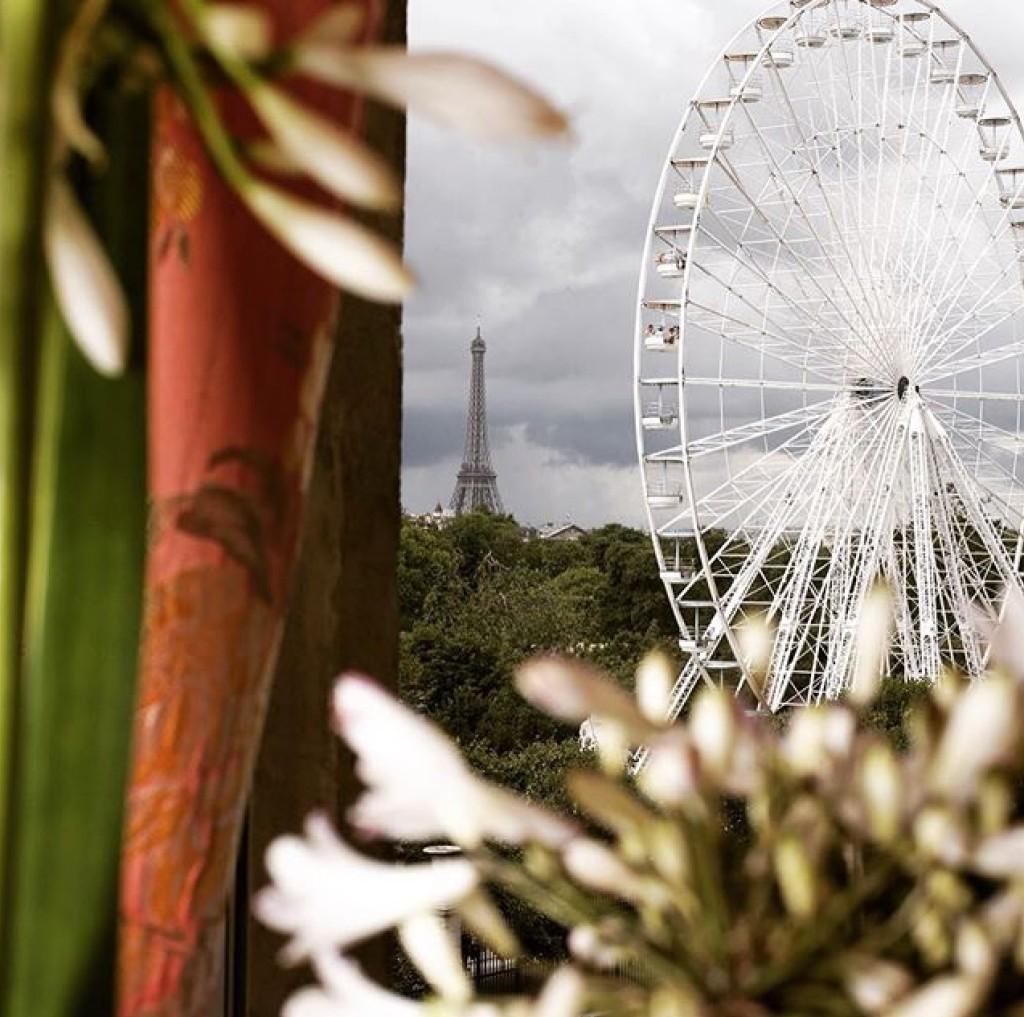 Hotel Regina Window View Ferris Wheel Place de la Concorde Roue de Paris